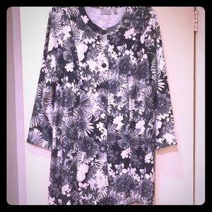 Black/White Silver Shimmer Duster Size XL